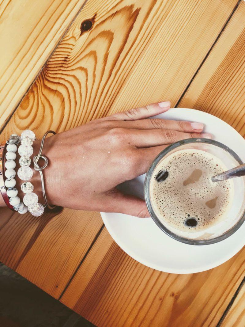 Kofeinové opojení: španělský kávový koktejl – café Asiático – Spanish traditional coffee